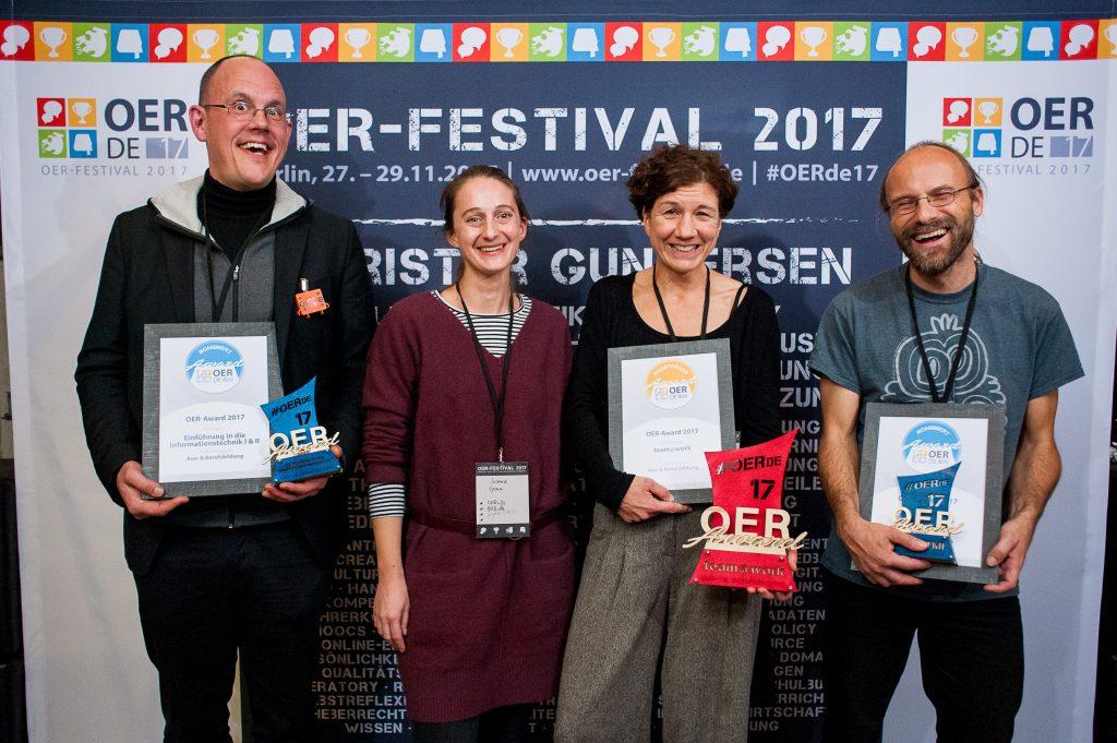 Nominierte, Preisträgerin und Laudatorin des Bildungsbereiches Aus-/Berufsbildung, Foto von Andreas Domma für OERde17, CC BY 4.0