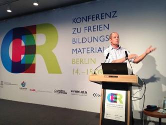 Neil Butcher bei der OER-Konferenz 2013 (Foto unter CC BY 3.0 DE by Jöran Muuß Merholz)