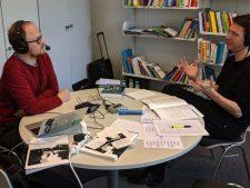 Frank J. Müller im Podcast-Interview mit Jöran Muuß-Merholz, Foto: Lea Fischer (Ausschnitt von Chris Dies), CC BY 4.0