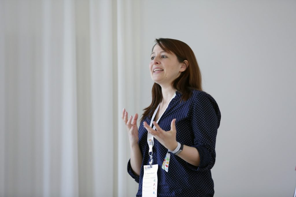 """Panel PaB13 """"Best Practice: OER für MINT – Unterrichtsmaterialien für MINT-Fächer in der Schule"""", hier mit Nadine Bergner"""