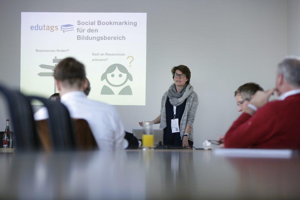 """Panel PaB15 """"Best Practice: OER-Fusion (Angebote, die gezielt mehrere Bildungsbereiche miteinander verbinden)"""", hier mit Gianna Schamberg von Edutags"""