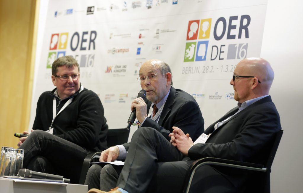 """Panel PaA17 """"OER from a Global Perspective – The Role of International Organisations such as UNESCO and OECD"""" mit Mitja Jermol, Walter Hirche und Dominic Orr"""