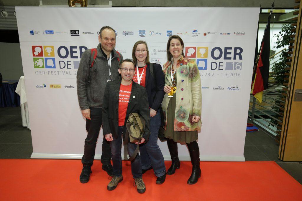auf dem roten Teppich: Oncampus meets iMooX