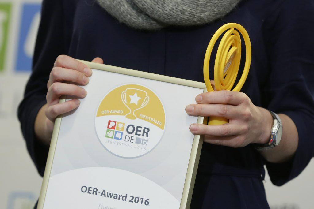 OER-Award 2016 in der Kategorie Bildungsbereich Fusion – Angebote, die konzeptionell gezielt mehrere Bildungsbereiche miteinander verbinden für Edutags.