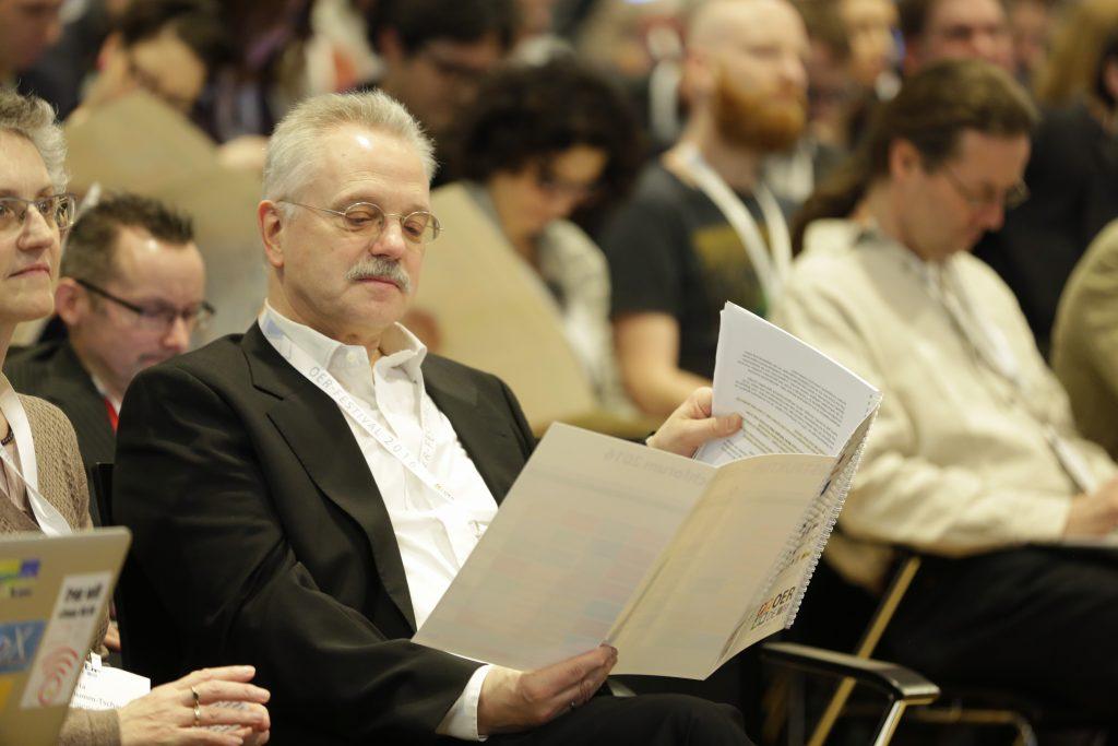 Ins Programm vertieft: Prof. Rolf Granow von Co-Veranstalter Oncampus.