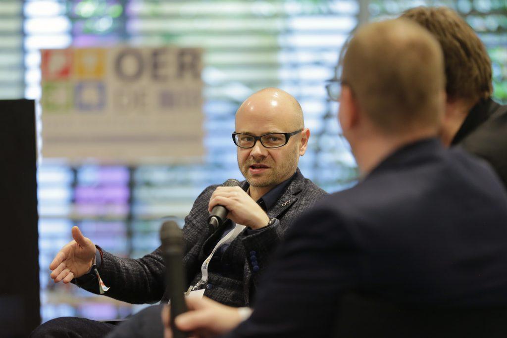"""Till Kreutzer von iRights.info auf dem Panel PaA12 """"Welche Lizenz ist die richtige für OER?"""""""