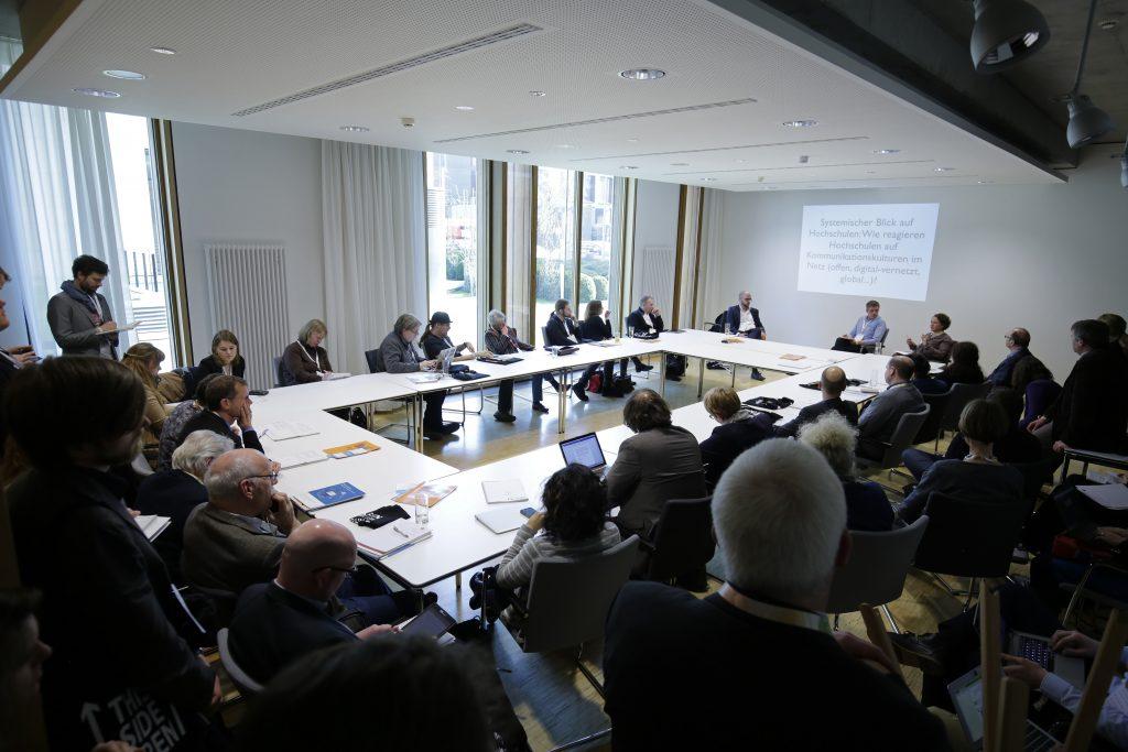 """PaC12 """"Open Education Practice (OEP) in der Hochschule – notwendig oder hinderlich? 'Ein Streitgespräch'"""""""