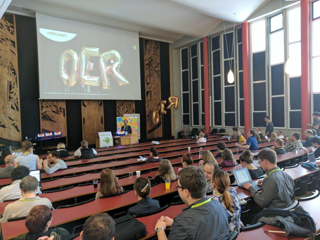 Plenum beim OERcamp in Köln, Foto: Gabi Fahrenkrog, CC BY 4.0